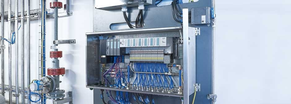 Complete decentral control unit from Bürkert at Bayer Schering Pharma AG